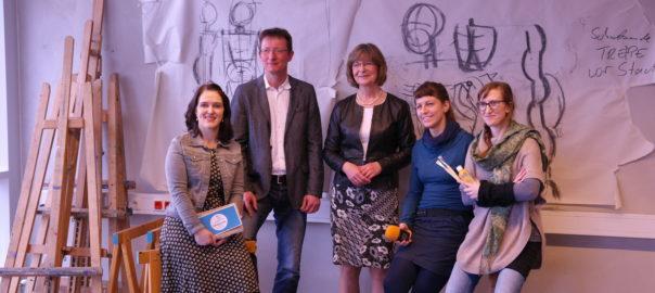 v.l.n.r. Daniela Mende (Fantasia AG), Sven Ehrecke (Vorstand KARO gAG), Ute Römer (Vorstand Stadtwerke Rostock AG), Kristin Schröder (Radio LOHRO), Inga-Lena Luce-Vöpel (Kunst.Schule.Rostock.),