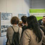 und interessierten sich für die Bilder und Texte der Ausstellung